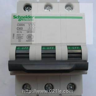 施耐德 断路器 C65N 3P